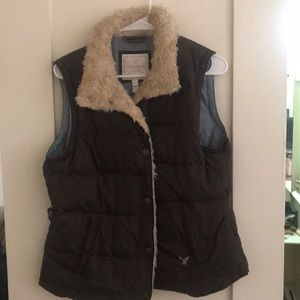 Puffy vest lined with fur